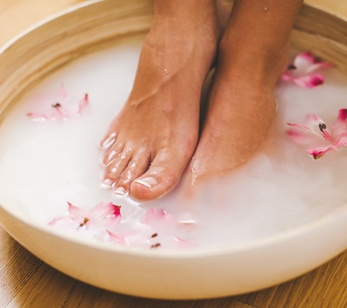 homemade-remedy-foot-fungus-GettyImages-513653459-inside